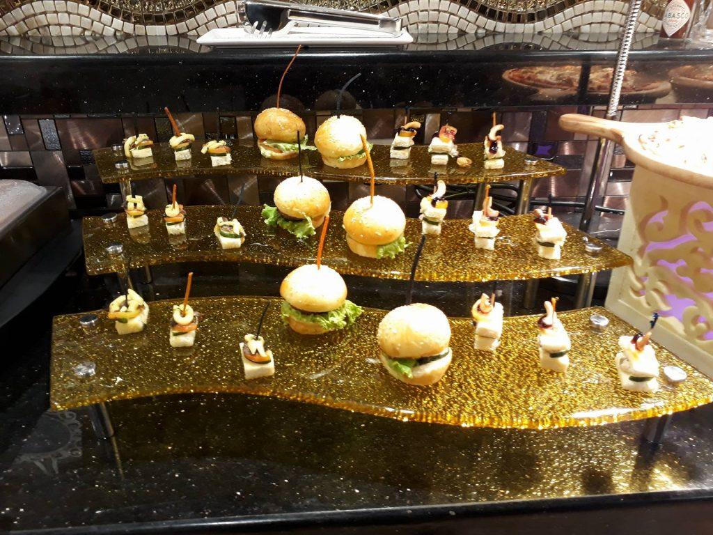 villa caceres hotel rjs buffet canapes