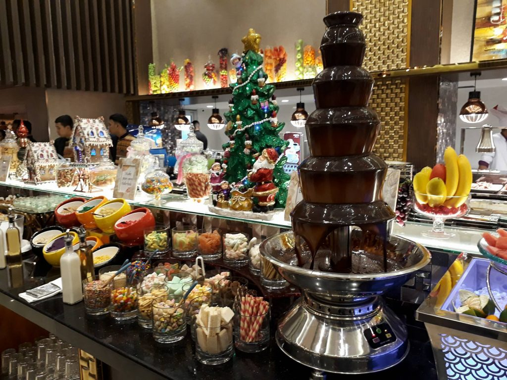 villa caceres hotel rjs buffet chocolate fountain