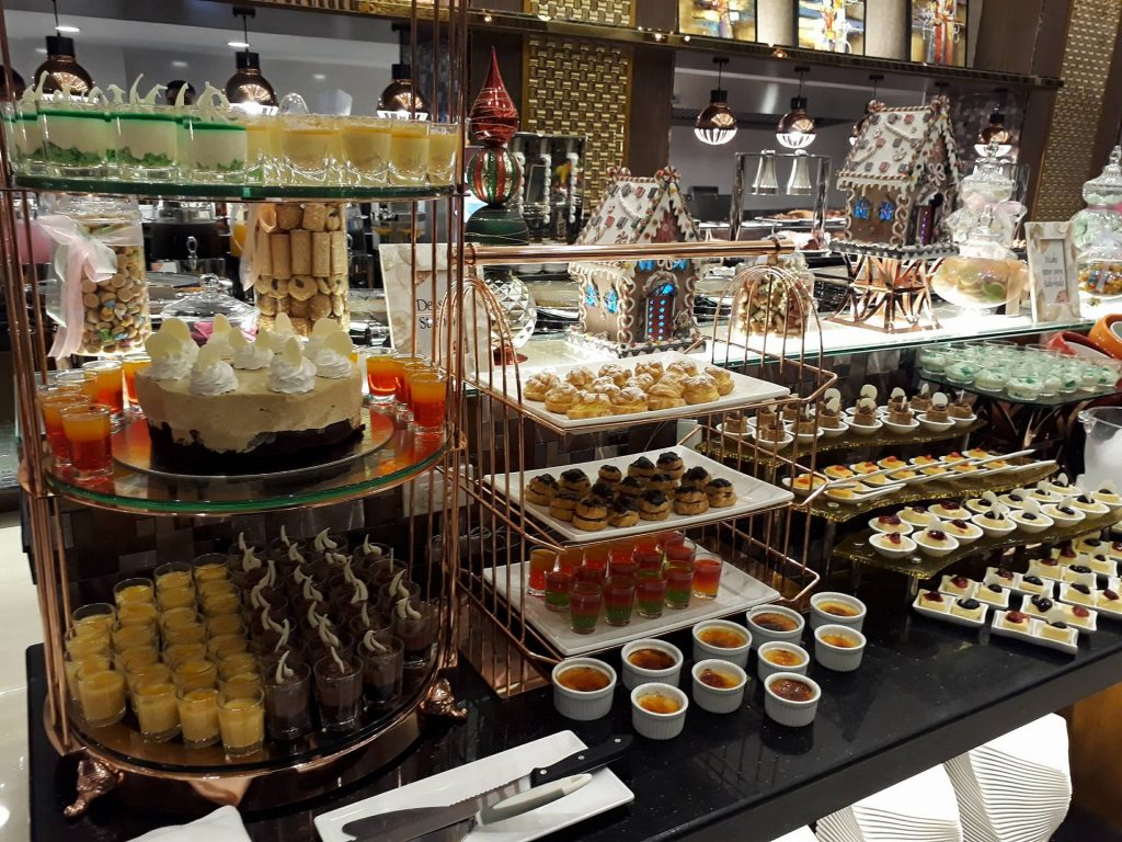 villa caceres hotel rjs buffet desserts table