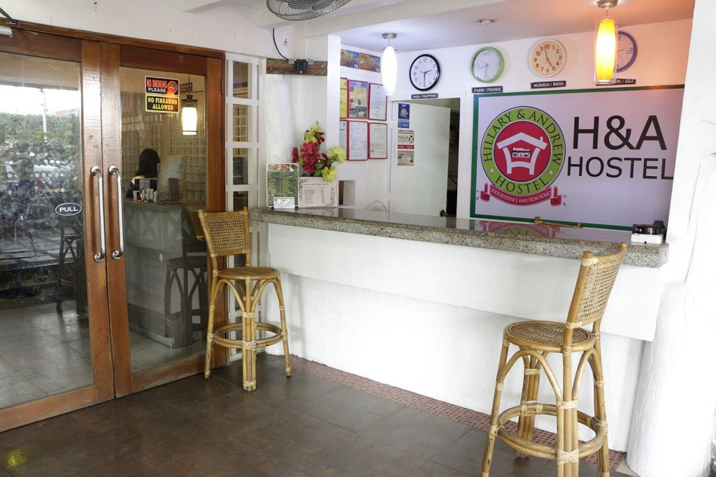 Hillary & Andrew Hostel and Restaurant Front Office